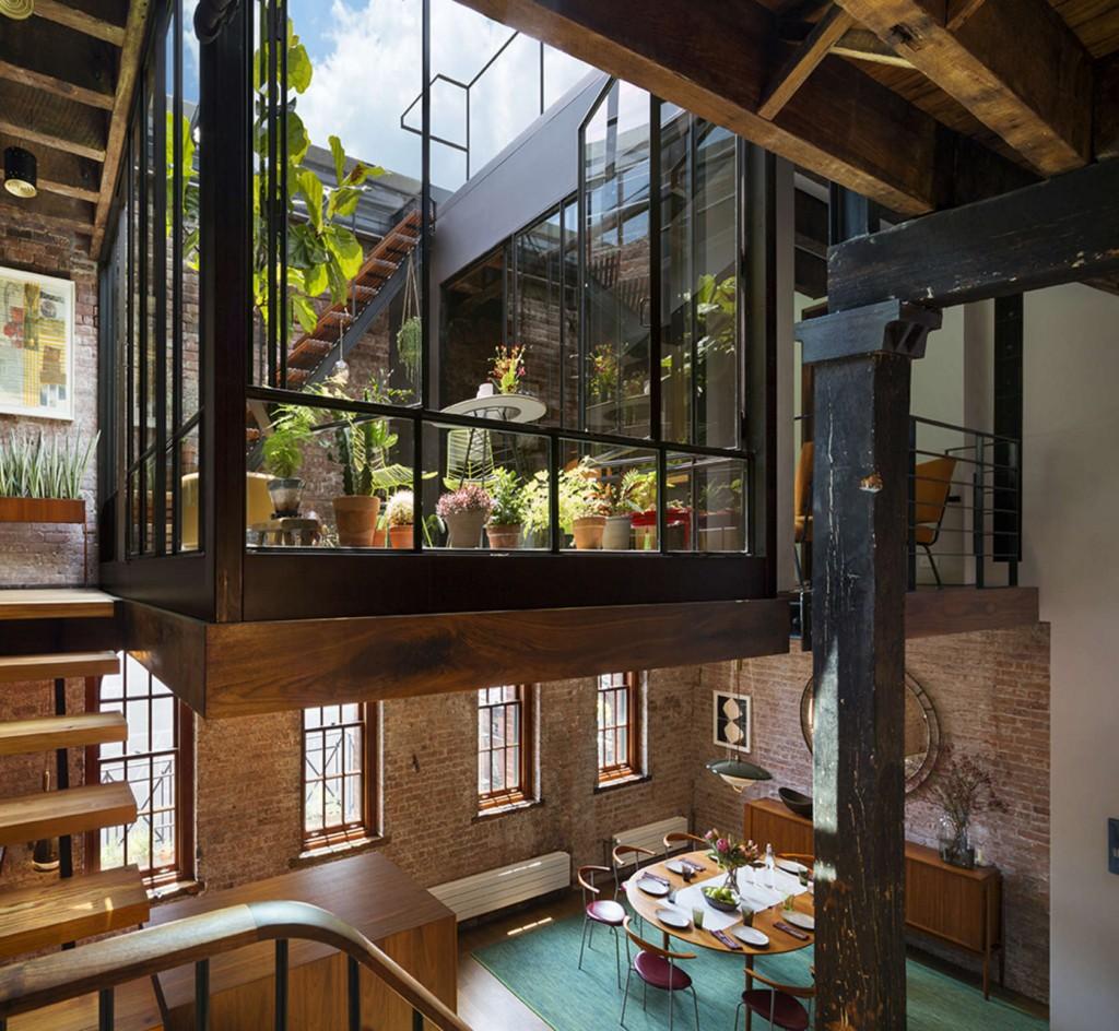 Metamorfosi a ny da vecchio magazzino di sapone a loft di for Casa in stile magazzino