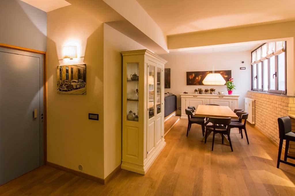 Tre piani di armonie casa di stile for Aprire piani casa seminterrato