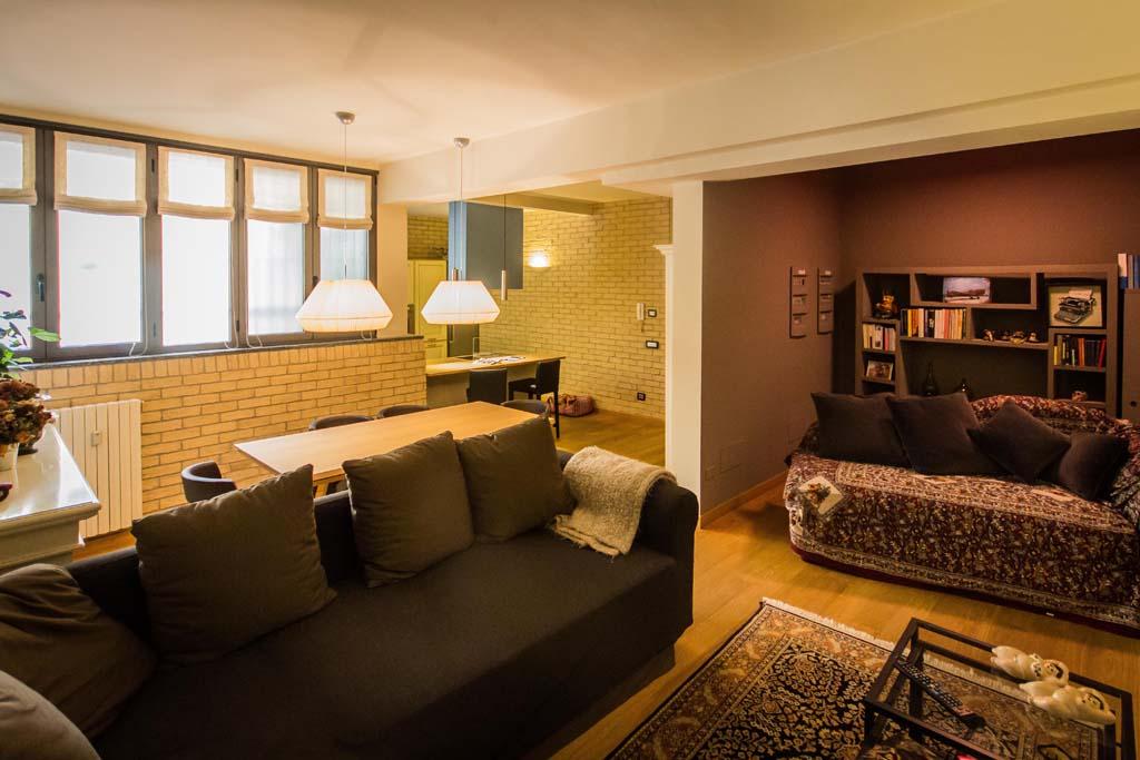 Tre piani di armonie casa di stile for Foto di case a tre piani