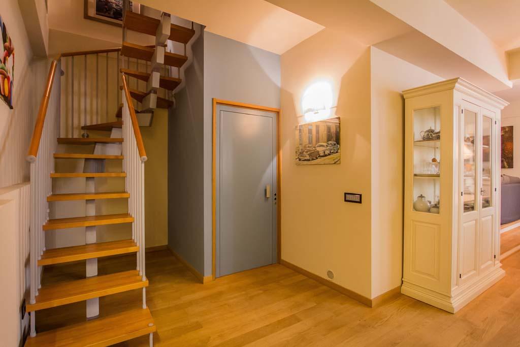 Tre piani di armonie casa di stile for Piani moderni della cabina di ceppo