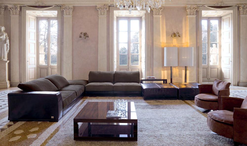 Divano Alfred by  F.lli Longhi - Modello  componibile della collezione Loveluxe con penisola angolare, modulo centrale e due pouf in pelle - Prezzo di listino modello : 18.500 -19.000 euro