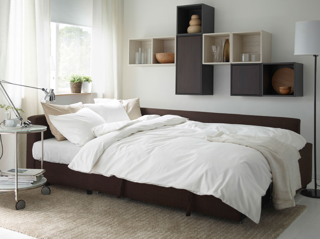 Arredare con le mensole tutte le dritte stanza per stanza - Pensili sopra letto ...