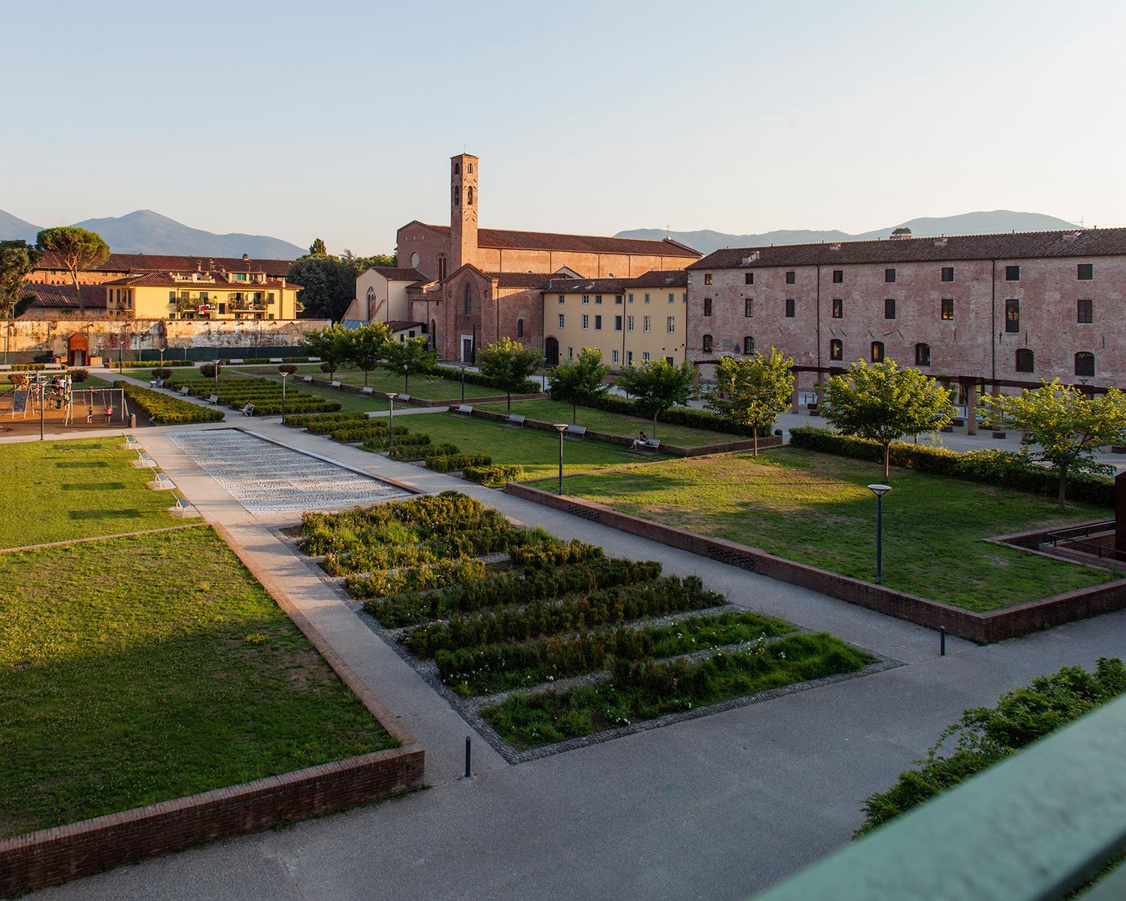 Canticle: fascino e poesia nel cuore dell'Arborato Cerchio a Lucca