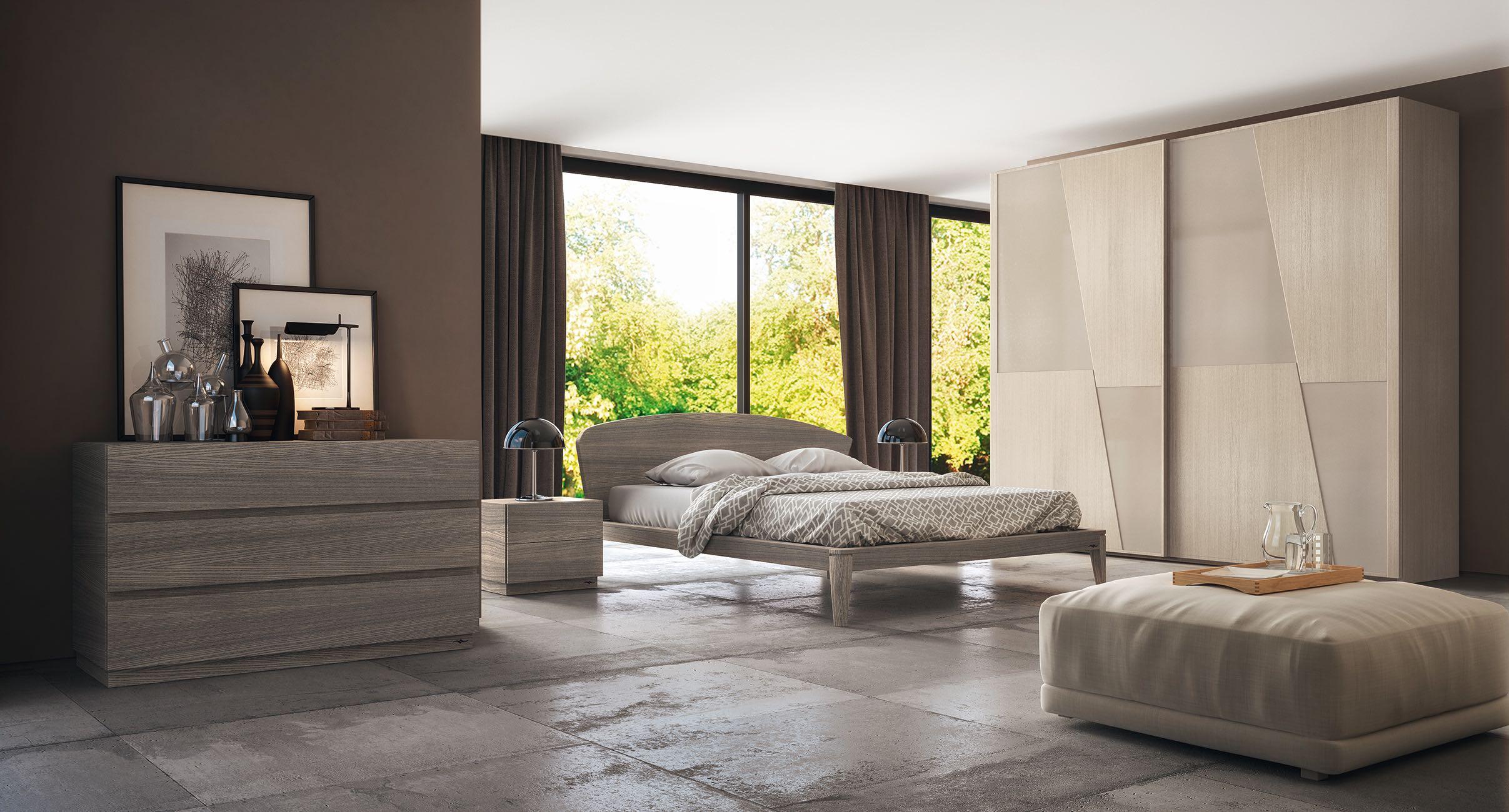 Camera da letto in legno massello della collezione Ecosfera di Accademia del Mobile. Esalta la natura e l'ambiente tenendo a cuore la salute in casa. Verniciata interamente ad acqua può essere accostata a tutte le cere profumate disponibili.
