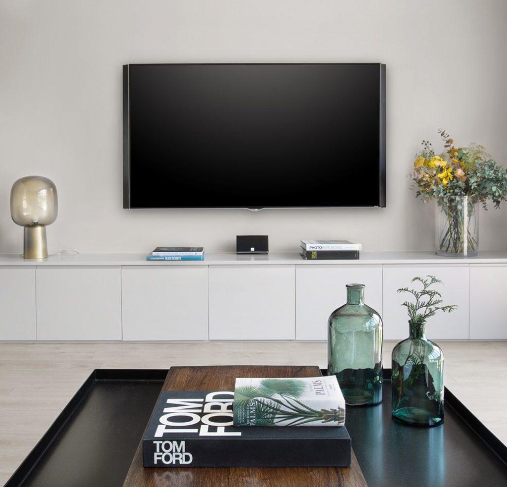 """Designer: <a href=""""http://vivestudio.es/"""" target=""""blank"""">Vive Studio</a>"""