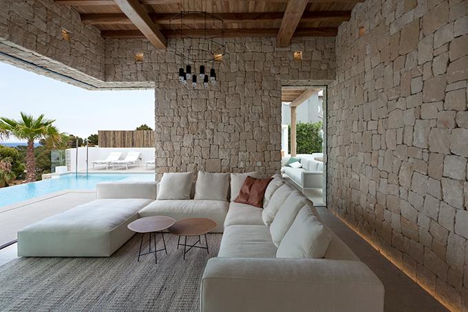 Designer: Antonio Altarriba Arquitecto- Fotografia: Diego Opazo
