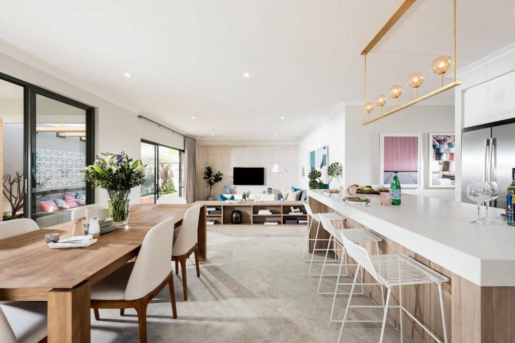 Ampi spazi e colori chiari per una casa in stile - Casa stile contemporaneo ...