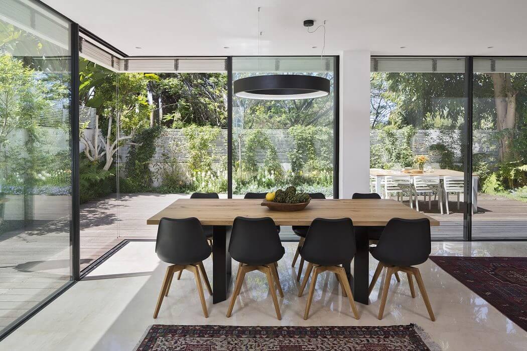 Una casa moderna formato famiglia casa di stile for Design casa moderna