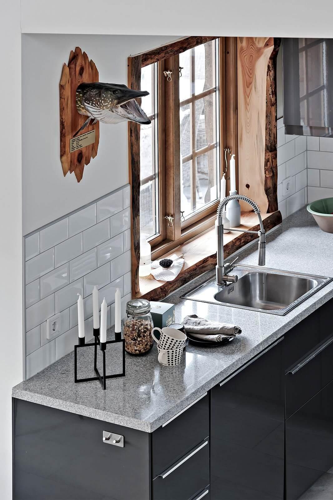 Un accogliente cottage casa di stile for Casa di ranch stile artigiano