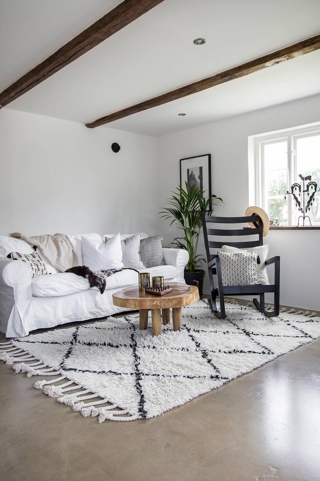 Appartamento in stile country l 39 eleganza dolce di un for Piani di casa stile scandole