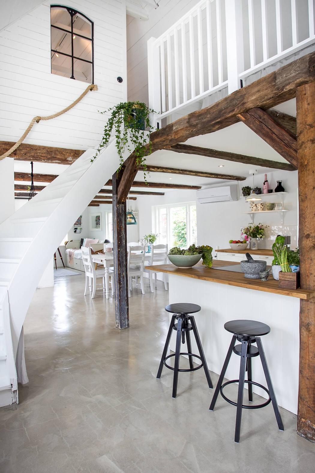 Appartamento in stile country l 39 eleganza dolce di un for Case di stile