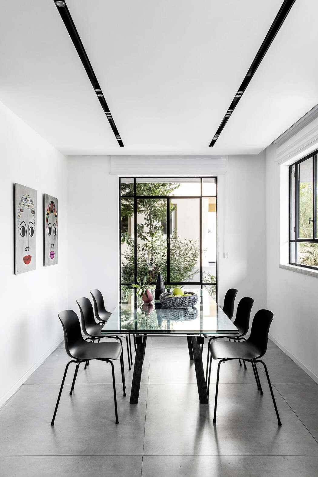 Una grande casa moderna e accogliente casa di stile for Casa moderna accogliente